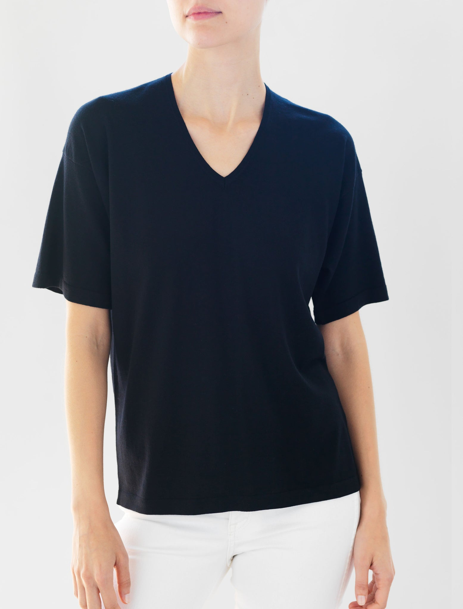 Luxo Knit T V-Neck - Black