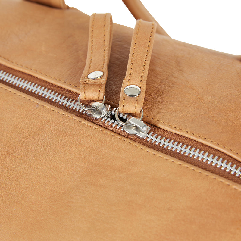 bartin-tan-leather-bag-close