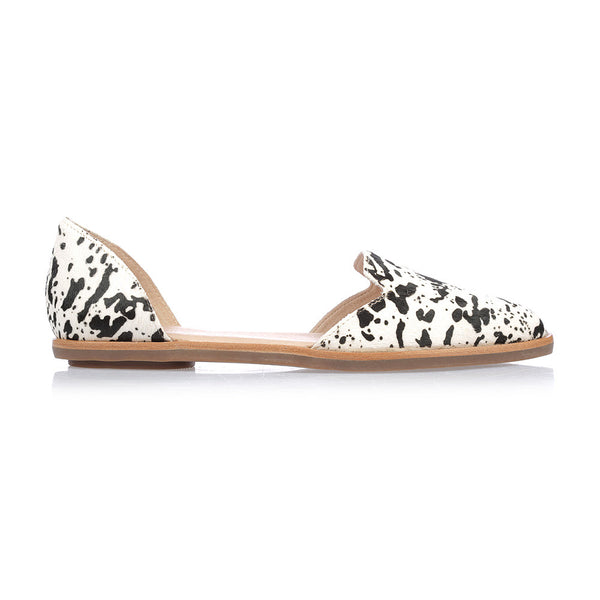 LOLA - BLACK WHITE PATCH PONY FLAT