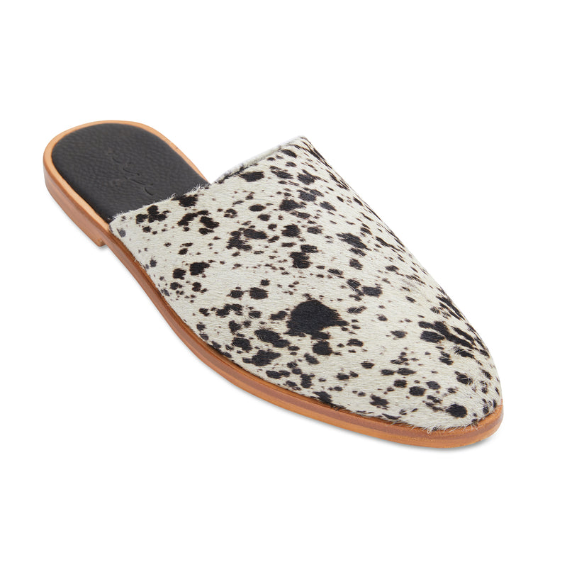 Loui cowhide leather mules with almond toe shape 1