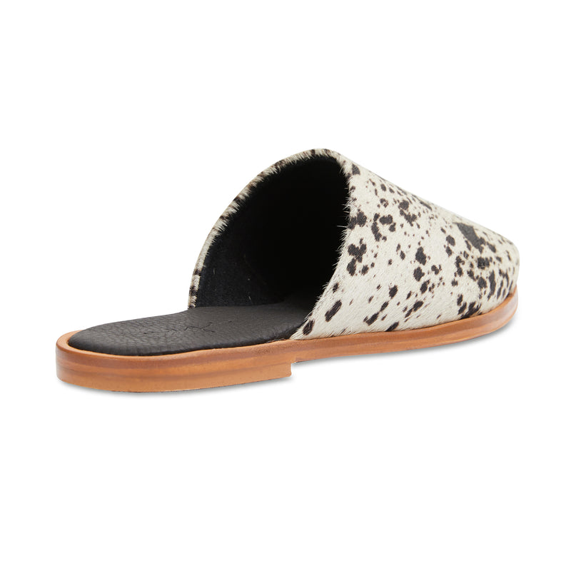 Loui cowhide leather mules with almond toe shape 2
