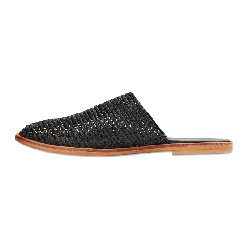 Luxe black raffia mules for women 1