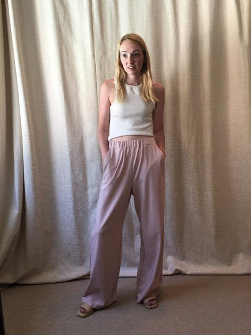 Simone Pant in mauve knit, showing front pockets