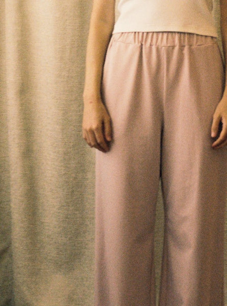 Simone Pant in mauve knit, front detail