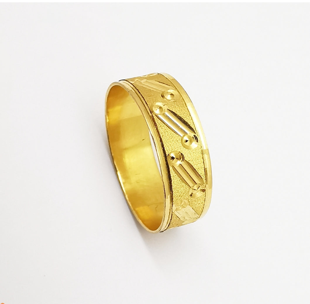 Wedding ring in 18k