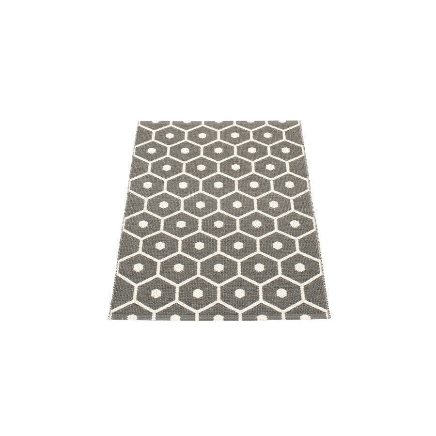 Pappelina Rugs - Honey - Charcoal Vanilla
