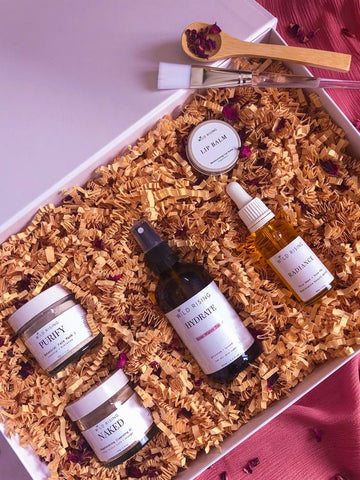 https://wildrisingskincare.com/products/complete-natural-skincare-gift-set?
