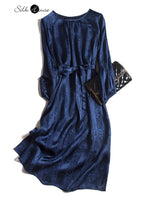 Retro Elegant High Level Dark Jacquard Silk Silk Silk Long Knee Dress Autumn Winter Women's Dress