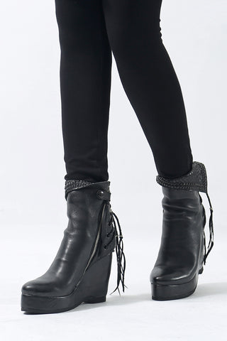 1602-BO02L Crush Braided Boots