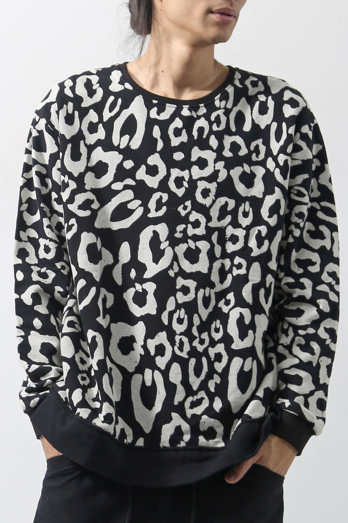 1902-TP01A Leopard Pullover