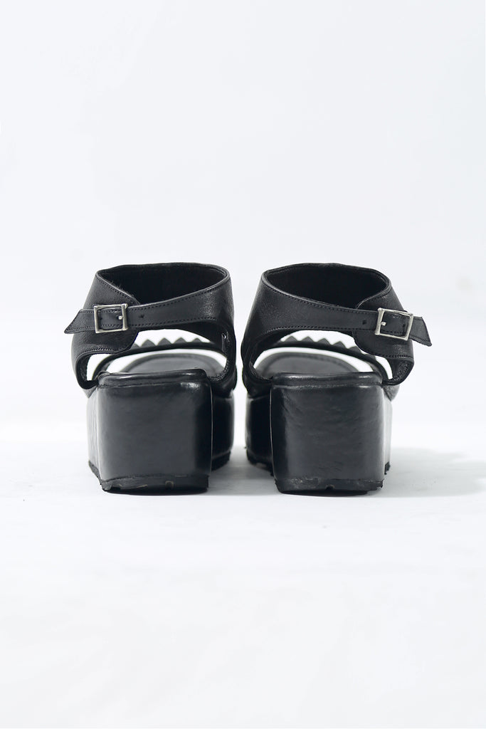 1801-BO04 Black Metal Sandal PMD