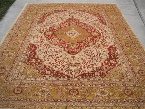 New Pakistan Hand-woven Antique Reproduction of a 19th Century Persian Tabriz Carpet   9'x 11'8