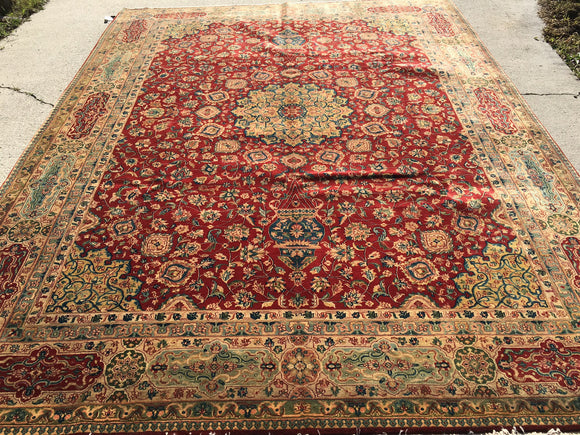 New India Hand-Knotted Recreation of Antique Agra   9'2