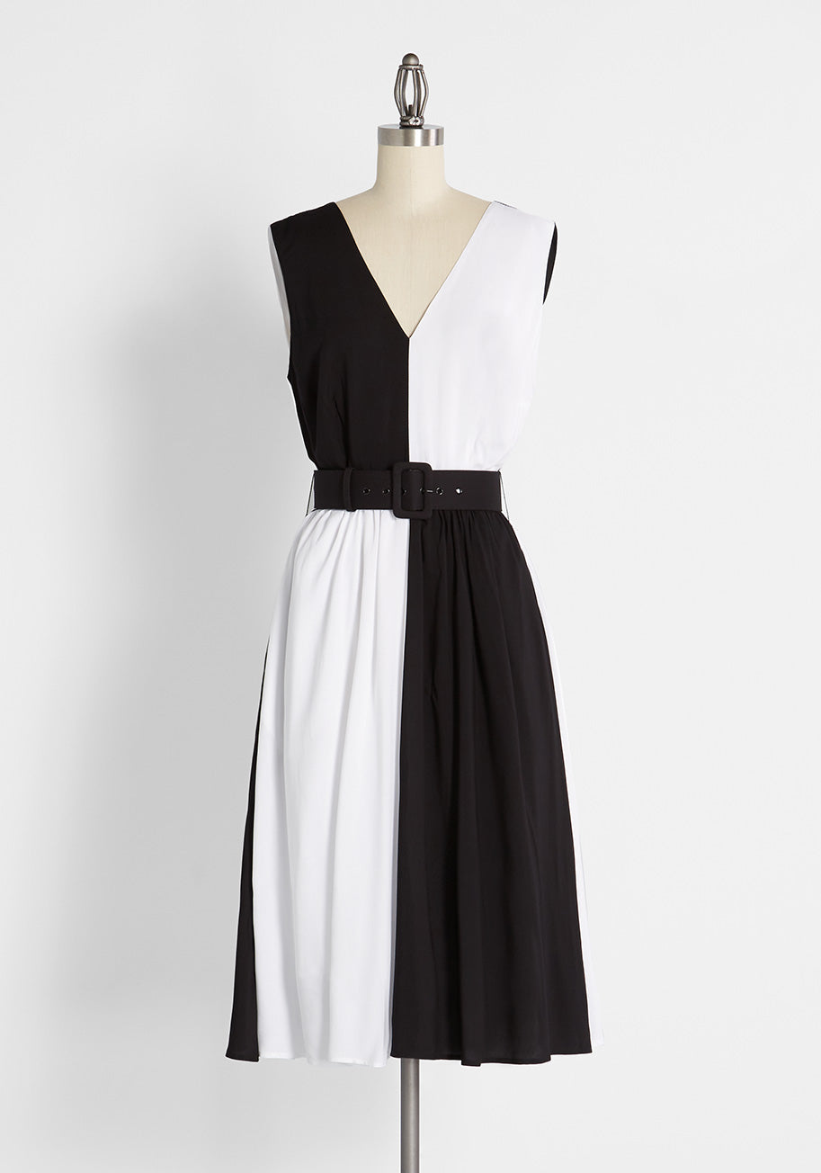 1960s Style Clothing & 60s Fashion Collectif On The Flip Side Swing Dress in BlackWhite Size 22 $89.99 AT vintagedancer.com