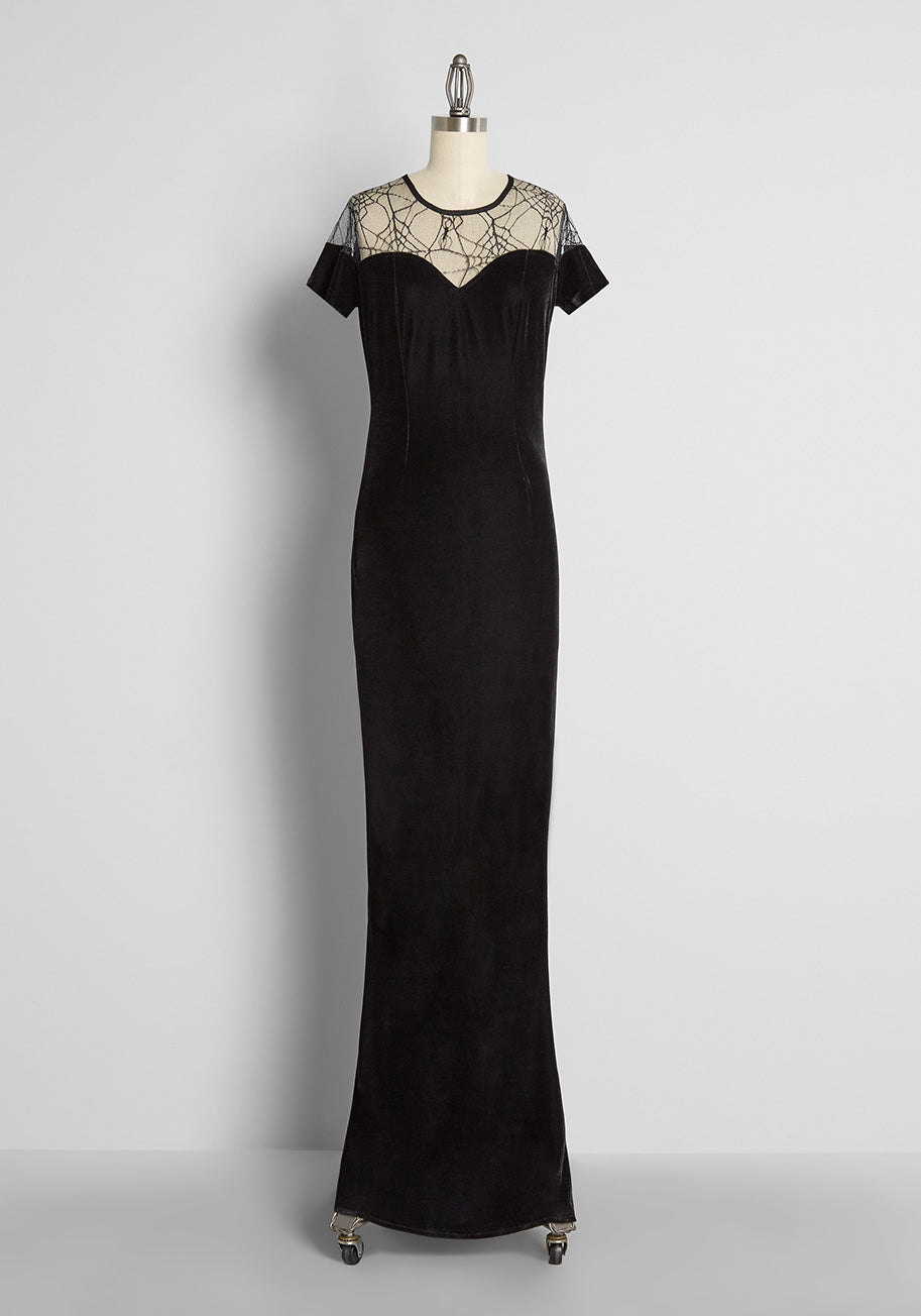 Easy Retro Halloween Costumes – Last Minute Ideas ModCloth x Collectif My Shadow Side Velvet Maxi Dress in Black Size 22 $129.00 AT vintagedancer.com