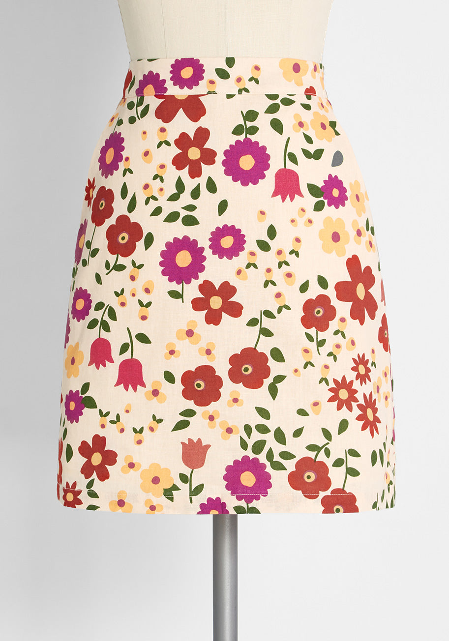 1960s Style Clothing & 60s Fashion ModCloth x Princess Highway Floral Mini Skirt in Cream Size 28 $24.00 AT vintagedancer.com
