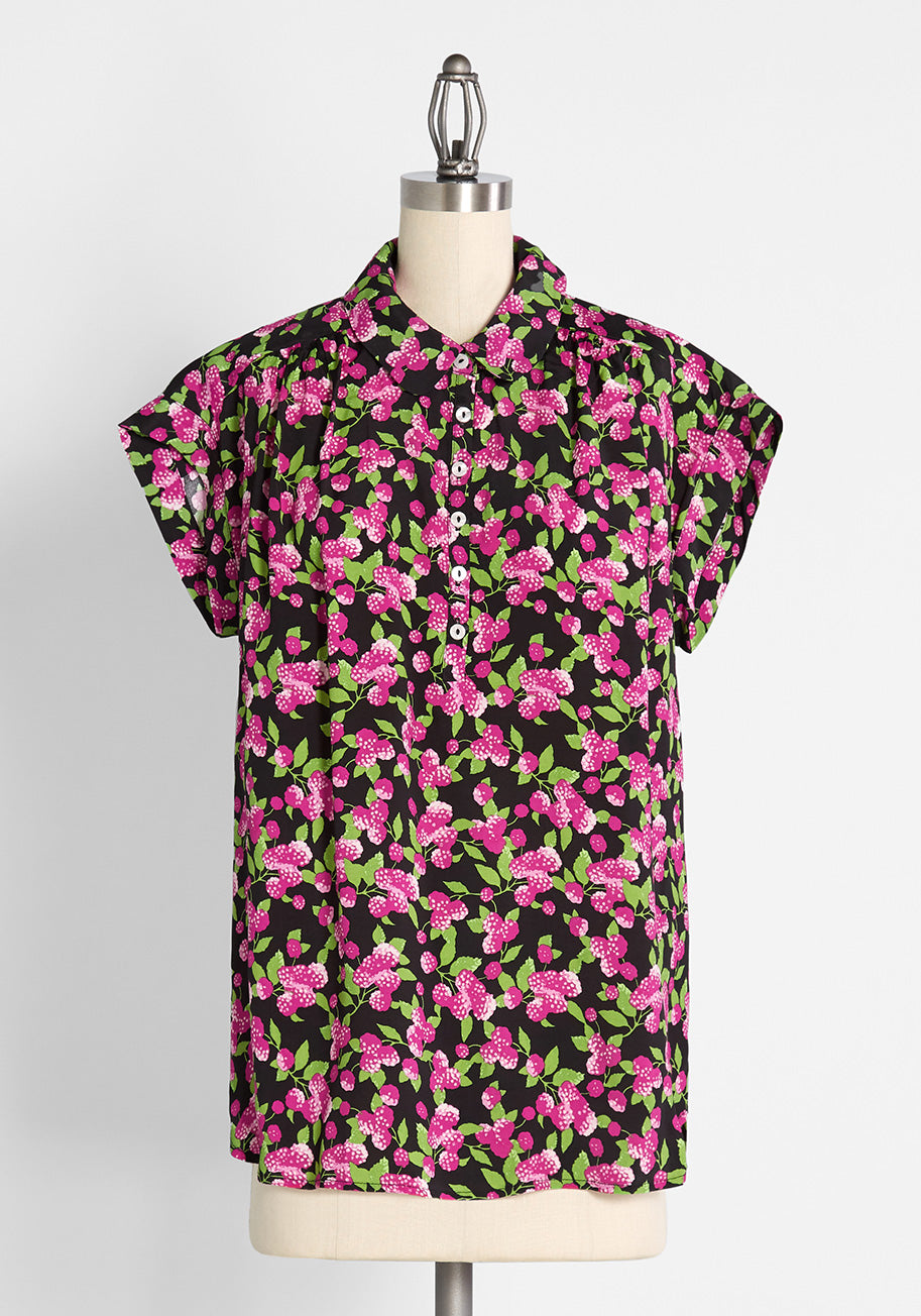 50s Shirts & Tops ModCloth The Sweetest Pickings Popover Shirt in Raspberry Thicket Black Size 4X $49.00 AT vintagedancer.com