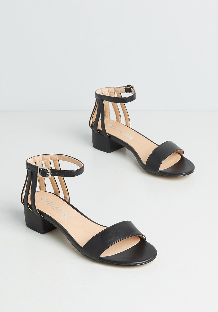 70s Outfits – 70s Style Ideas for Women Chelsea Crew Always a Pleasure Sandals in Black Size 42 $59.00 AT vintagedancer.com