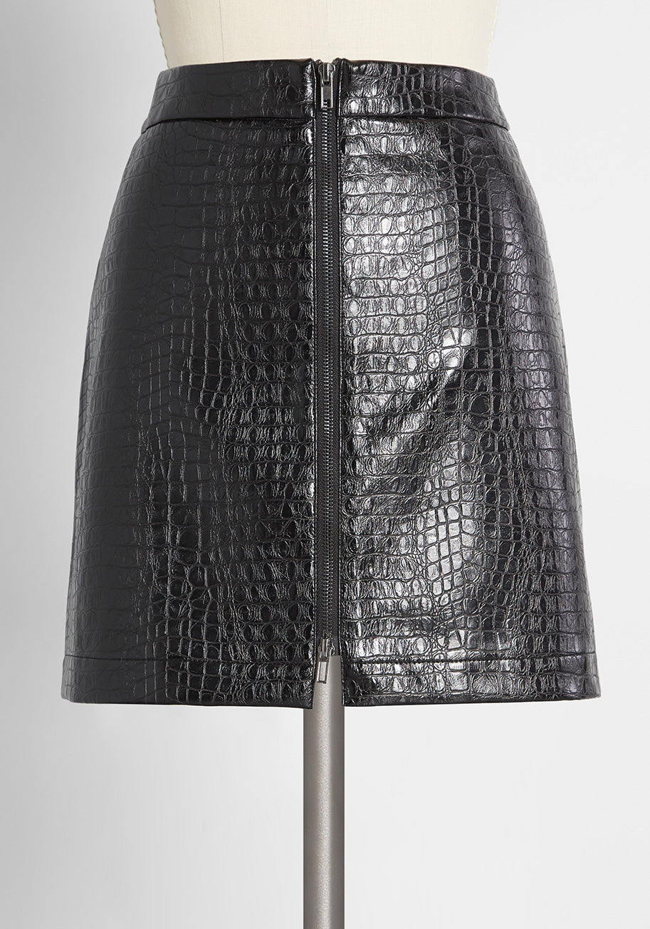 1980s Clothing, Fashion   80s Style Clothes ModCloth Crocodile Rock Mini Skirt in Black Size 14 $44.99 AT vintagedancer.com