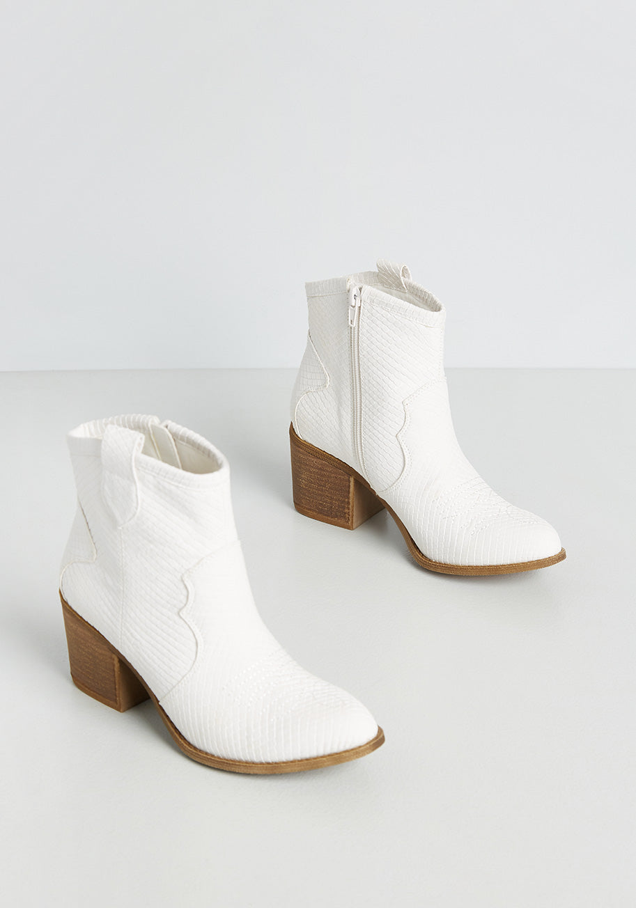 70s Shoes, Platforms, Boots, Heels | 1970s Shoes Dirty Laundry Wild Western Rodeo Ankle Boot in White Size 7 $70.00 AT vintagedancer.com