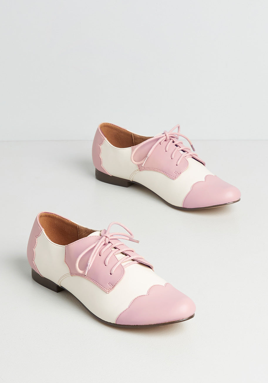 1950s Shoe Styles: Heels, Flats, Sandals, Saddle Shoes Chelsea Crew Scalloped Update Oxford Flats in Pink Size 41 $59.00 AT vintagedancer.com
