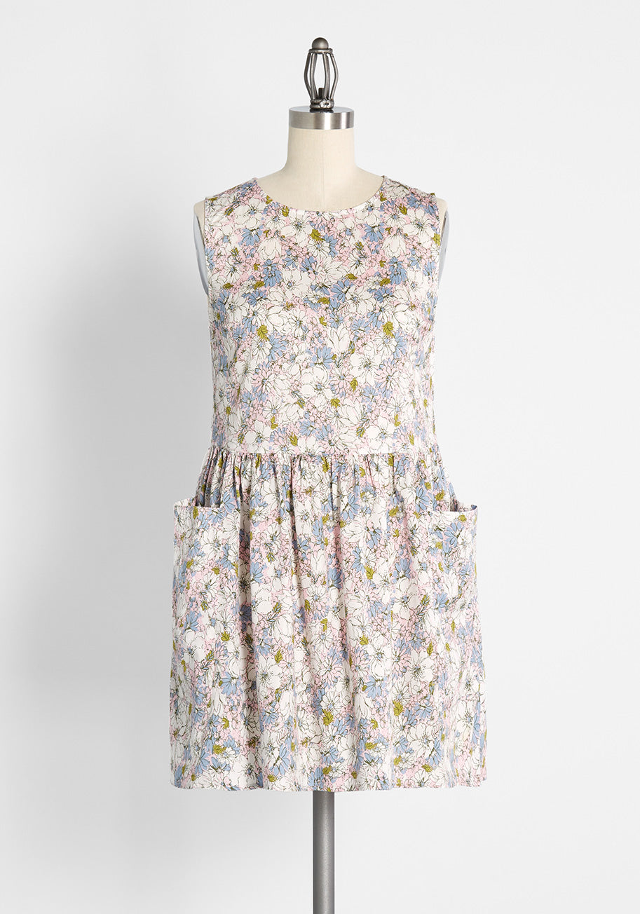 Cottagecore Clothing, Soft Aesthetic ModCloth Gathering Wildflowers Smock Dress in Pink Size 4X $79.00 AT vintagedancer.com
