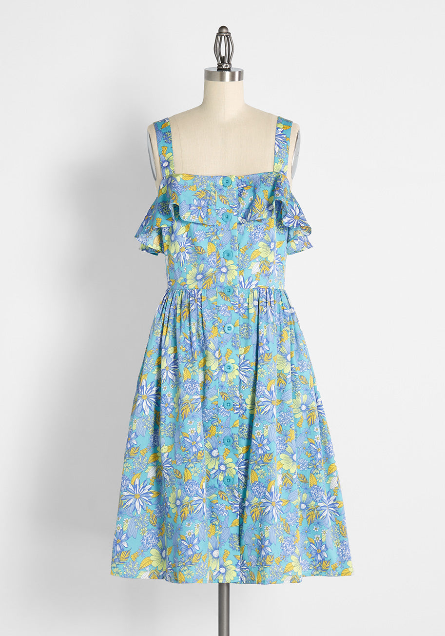 80s Dresses   Casual to Party Dresses ModCloth Beckoning The Berkshires Fit and Flare Dress in Harlow Floral Sea Blue Size 26W $89.00 AT vintagedancer.com