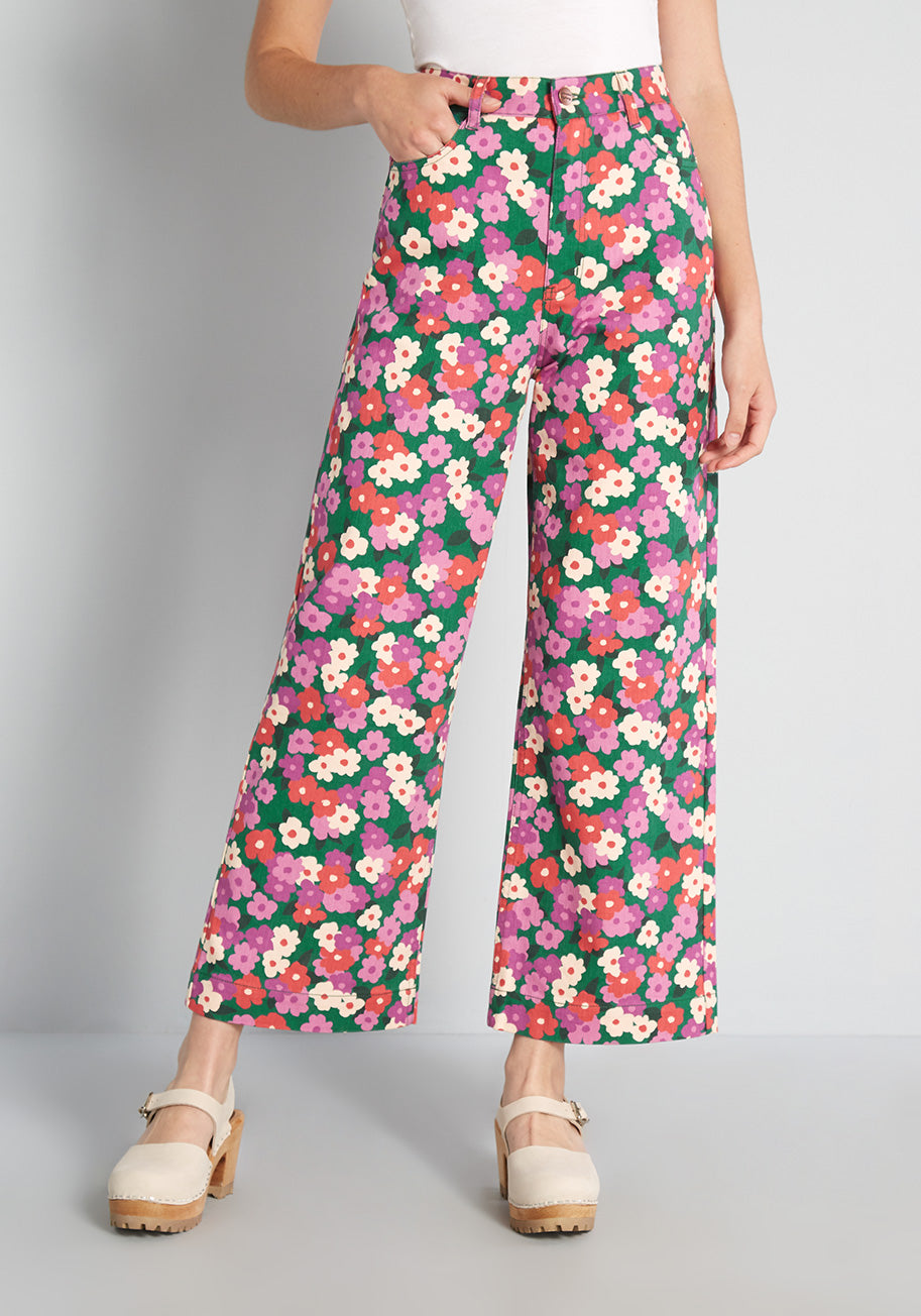 1960s Pants – Top 10 Styles for Women Princess Highway Rolling in the Flowers Wide-Leg Jeans in Green Size 10 $79.00 AT vintagedancer.com