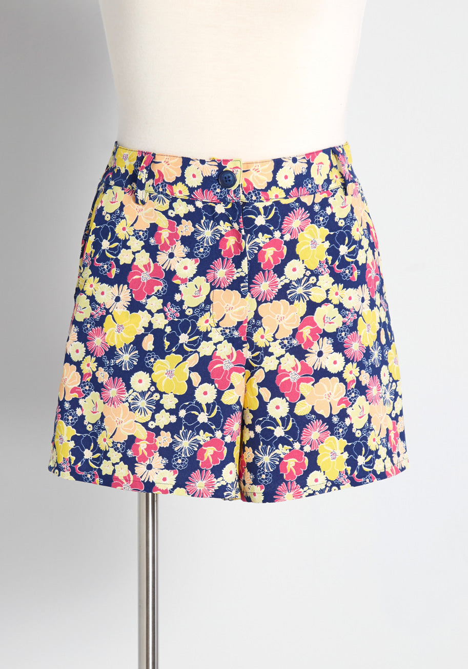 1960s Style Clothing & 60s Fashion ModCloth The Spring of Things Shorts in Navy Size XL $49.99 AT vintagedancer.com
