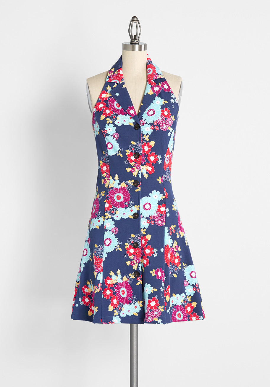 60s Dresses   1960s Dresses Mod, Mini, Hippie ModCloth Upstate For The Weekend Tennis Dress in Trudy Vintage Floral Navy Size 4X $69.00 AT vintagedancer.com