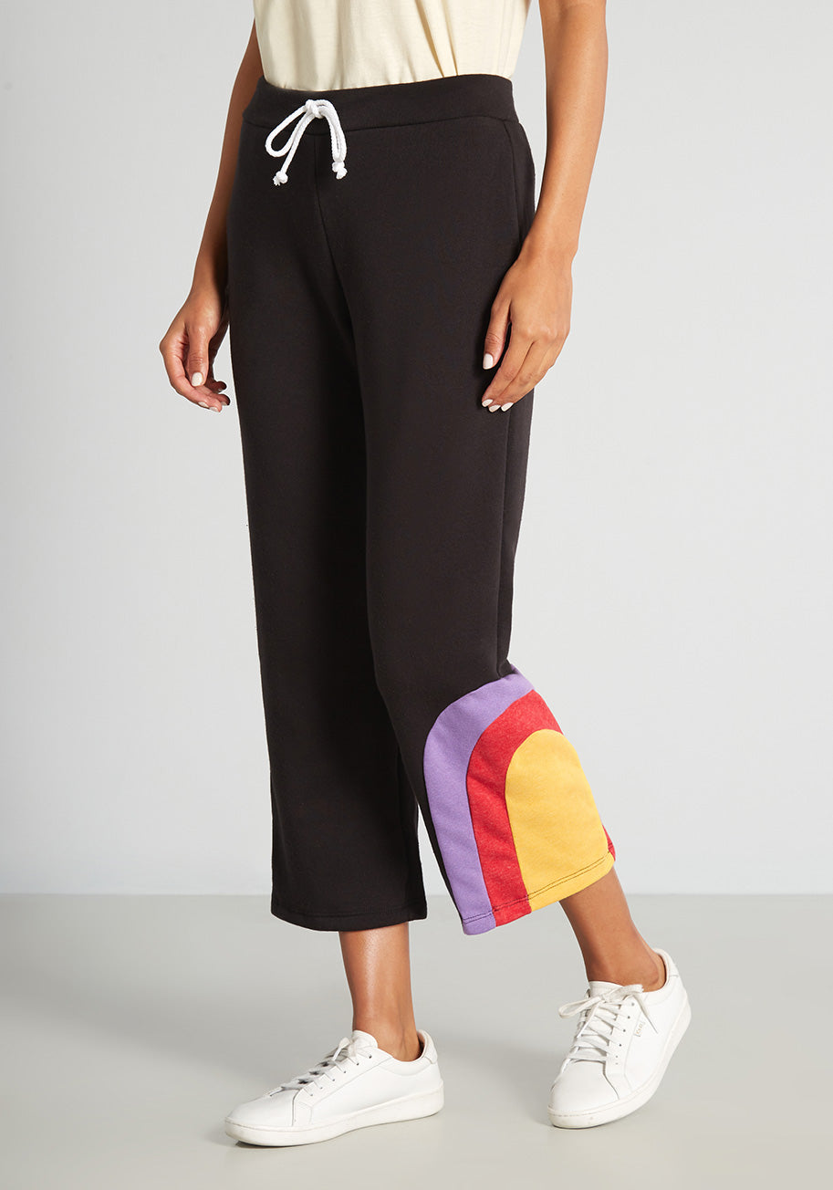 Cottagecore Clothing, Soft Aesthetic ModCloth x CAMP Collection Lava to Lounge Crop Sweatpants in Black Size XL $49.99 AT vintagedancer.com