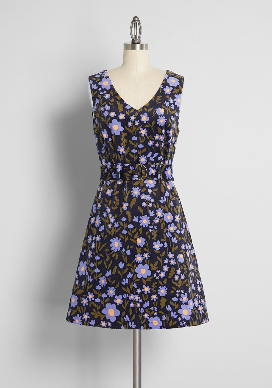 Vintage Style Dresses | Vintage Inspired Dresses Princess Highway A Daisy Double Take Corduroy Jumper Top in Midnight Size 16 $79.00 AT vintagedancer.com