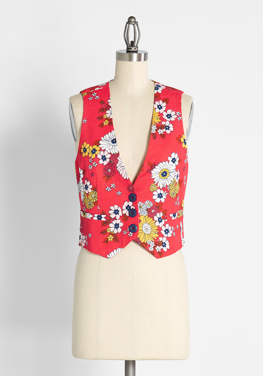 Women's 70s Shirts, Blouses, Hippie Tops ModCloth Splash of Inspiration Vest in Trudy Vintage Floral Candy Red Size 4X $69.00 AT vintagedancer.com