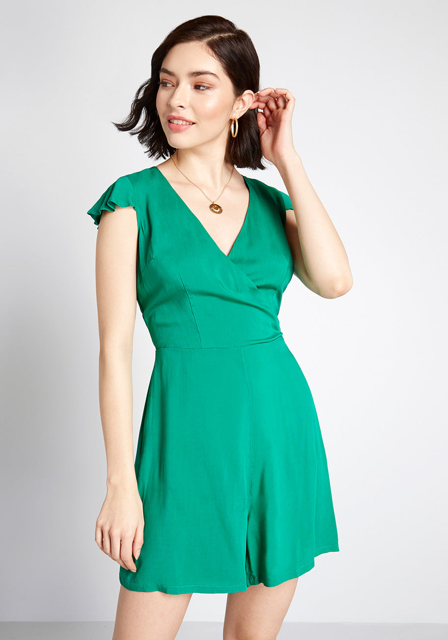 40s-50s Vintage Playsuits, Jumpsuits, Rompers History ModCloth x Collectif On Island Time Romper in Green Size 26 $19.97 AT vintagedancer.com
