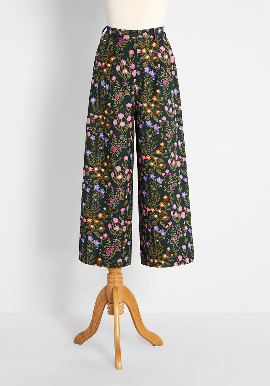 Cottagecore Clothing, Soft Aesthetic Princess Highway All Floral Summer Love Wide-Leg Pants in Green Size 6 $79.00 AT vintagedancer.com