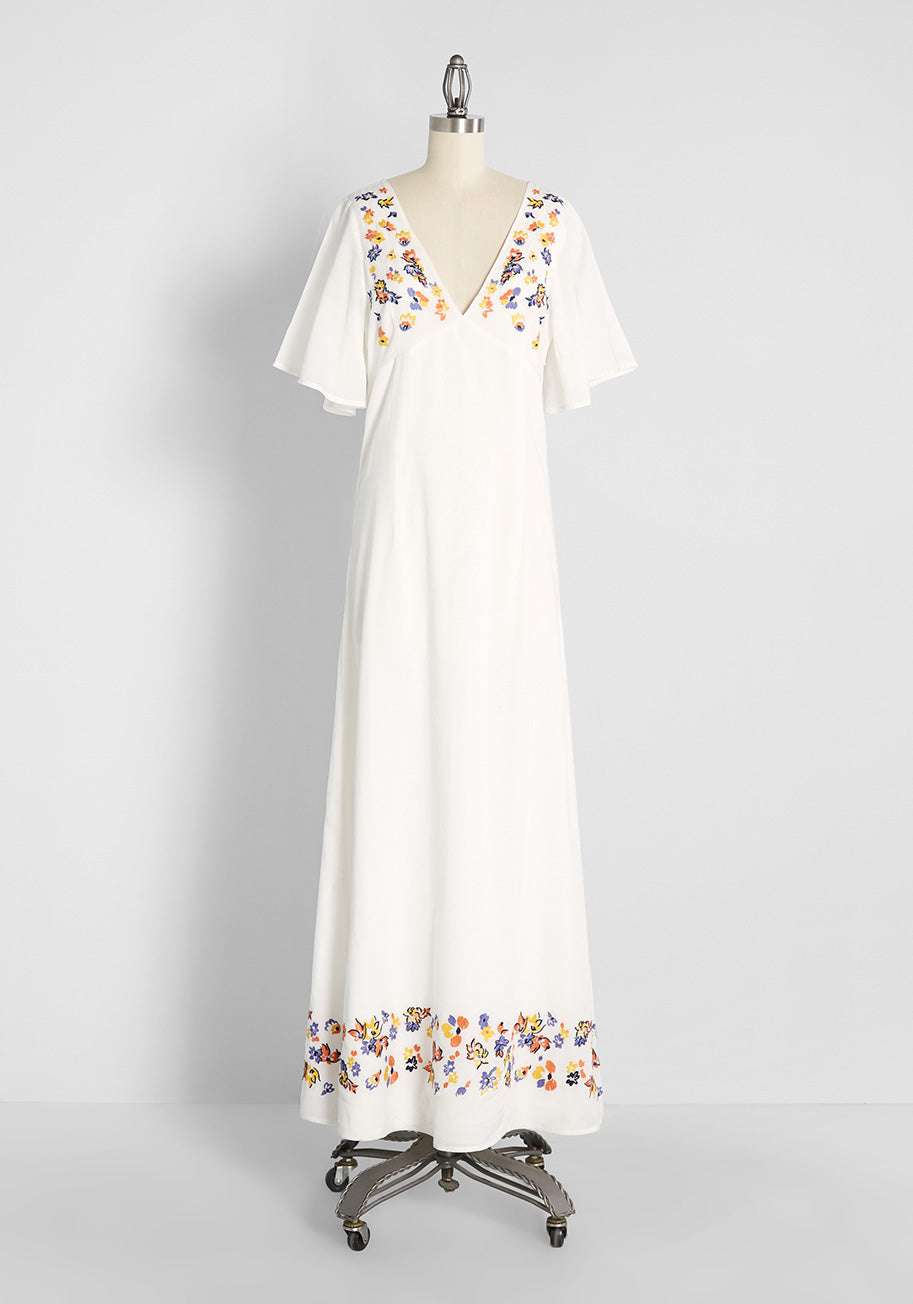 70s Dresses – Disco Dress, Hippie Dress, Wrap Dress ModCloth A Midsummers Daydream Embroidered Maxi Dress in Ivory Size 26W $119.00 AT vintagedancer.com