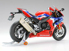 Load image into Gallery viewer, Tamiya 14138 Honda CBR1000RR-R Fireblade Sp 1:12 Plastic Bike Model Kit