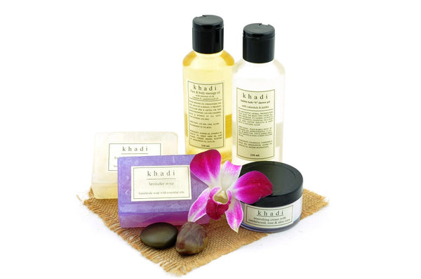 Herbal Spa Skin Care Kit of Bubble Bath, Massage Oil, Cream & Soaps with ingredients