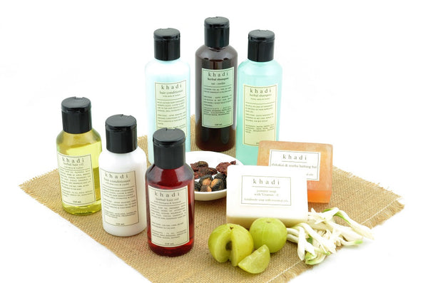 Natural Care Kit of Oil, Shampoo & Conditioner for Strong Hair with ingredients