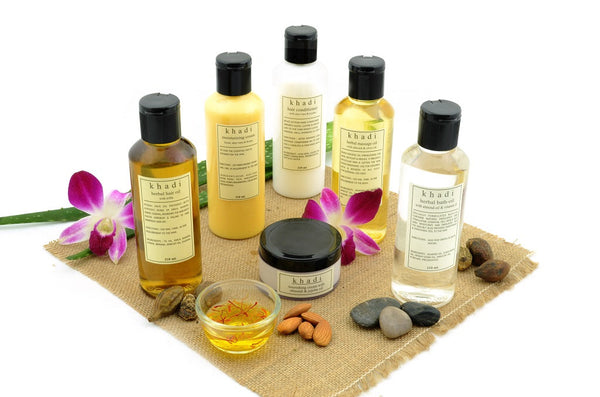 Natural Defence Solution Kit for Dry Skin & Hair with ingredients