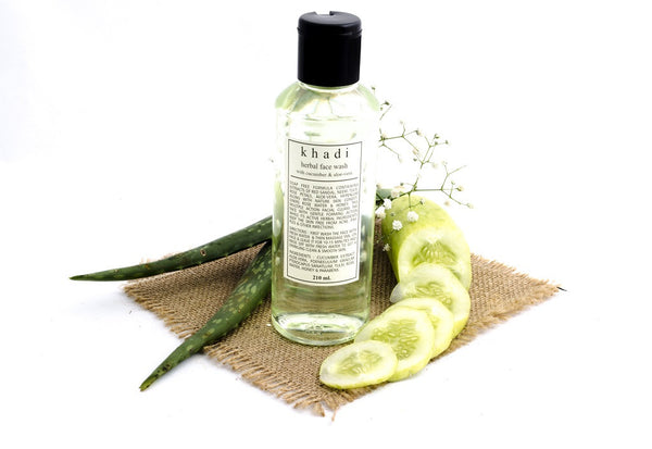 Cucumber & Aloe Vera Face Wash - 210 ml with ingredients