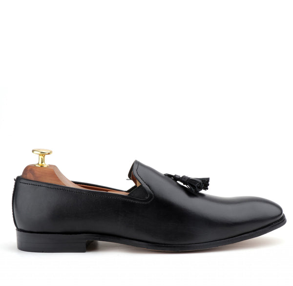 Luise The Black Leather Moccasin With Tassels