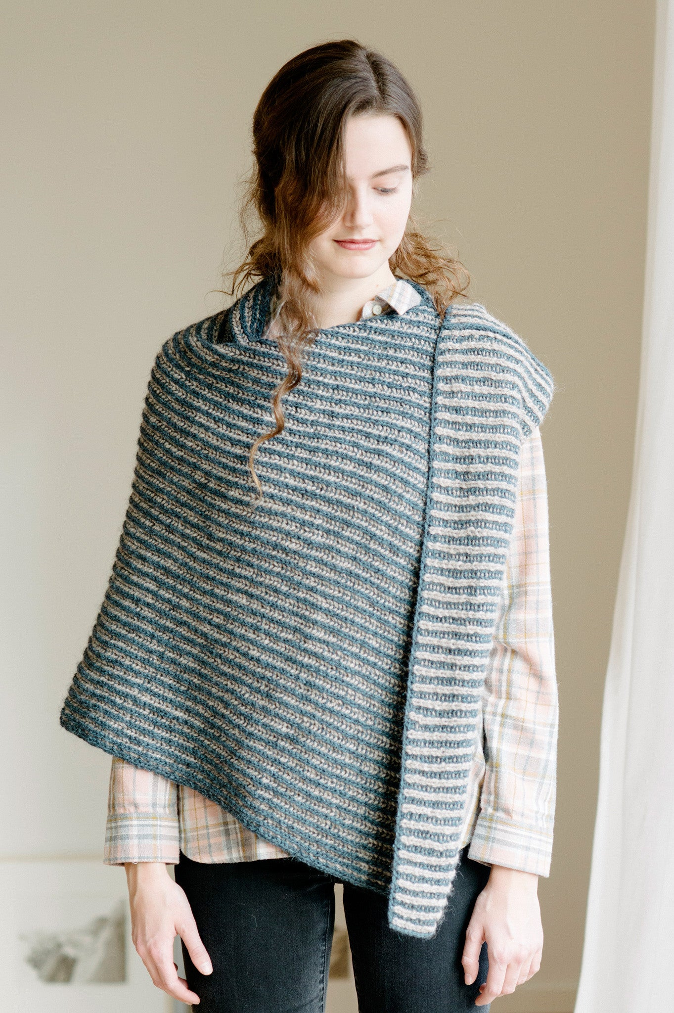 nascha poncho knitting pattern - Quince and Co