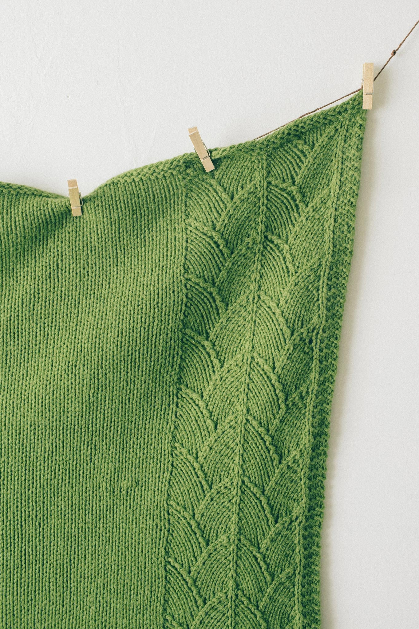 Sweet leaf baby blanket knitting pattern quince and co sweet leaf blanket bankloansurffo Gallery