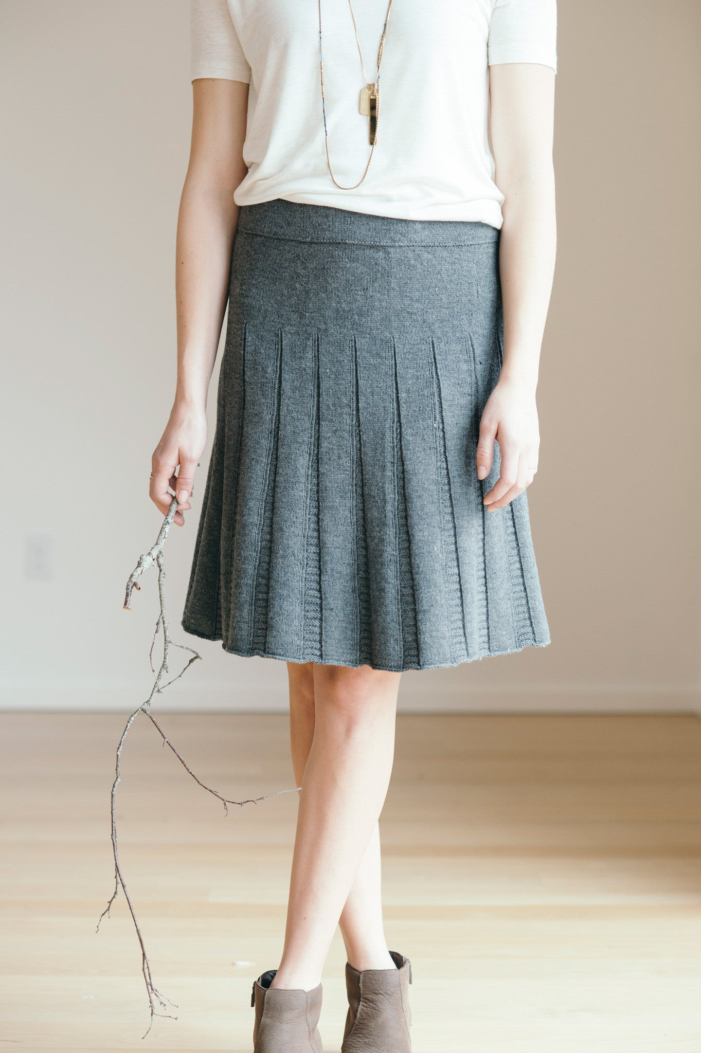tavia skirt knitting pattern - Quince and Co