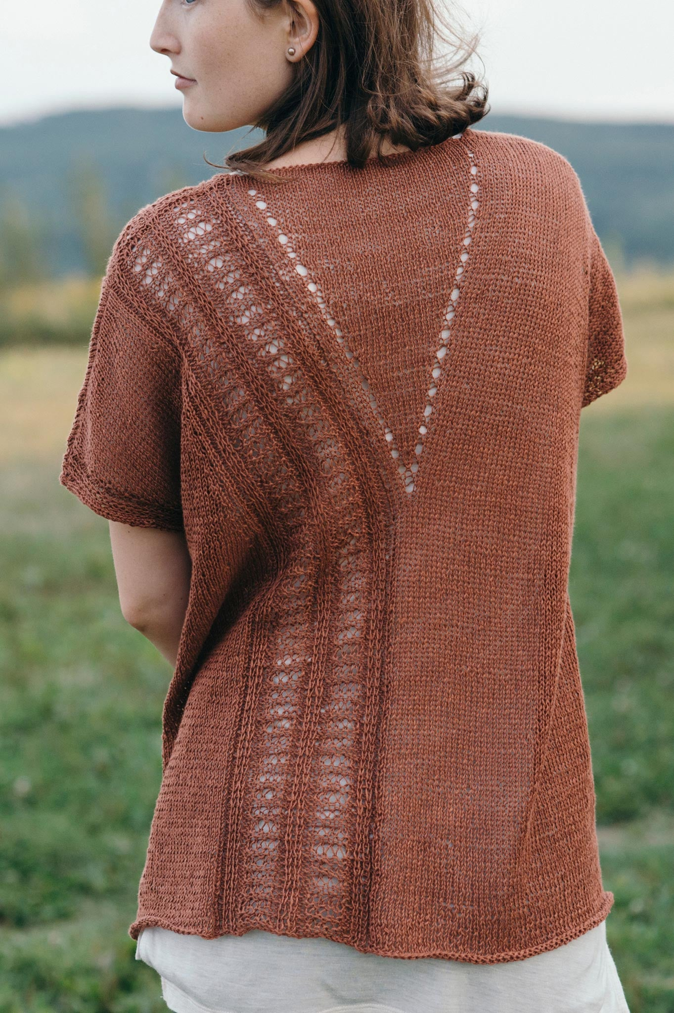 Walkway tee knitting pattern quince and co walkway dt1010fo