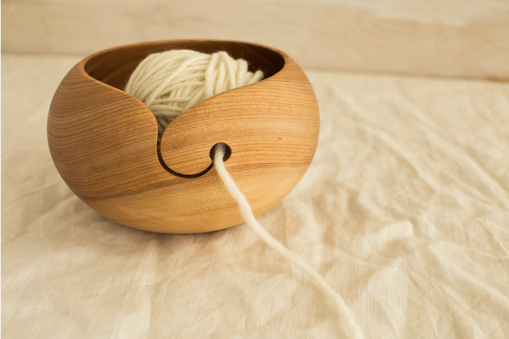 t&h wooden yarn bowl