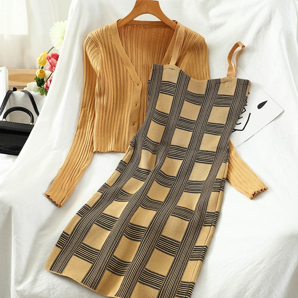 2021 new plaid slim-fit suspender skirt + long sleeve short sweater women's two-piece suitRetro temperament autumn TZ498