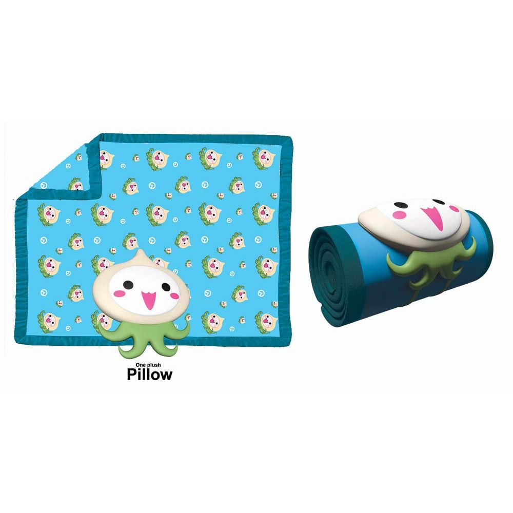 Pachimari fleece blanket and pillow set from Overwatch