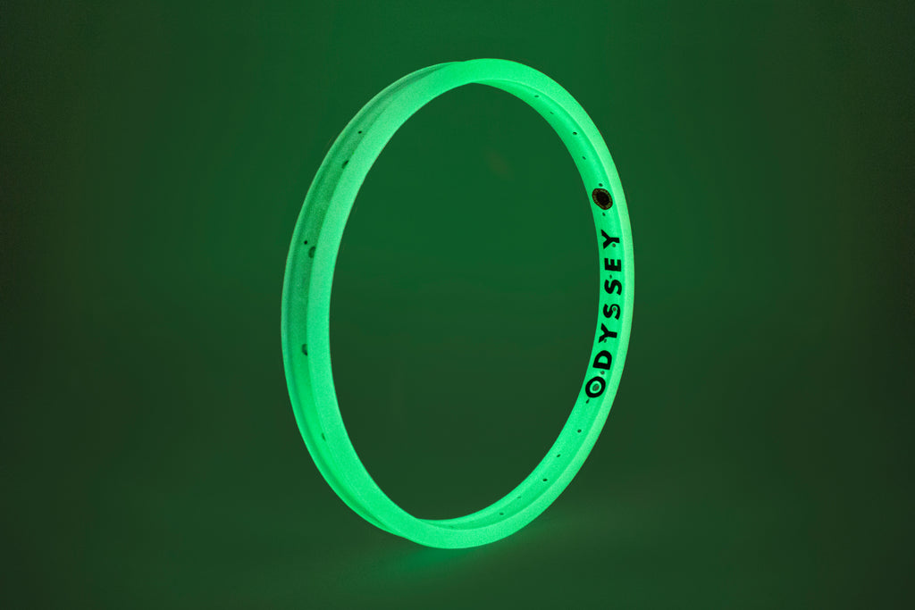 Odyssey Hazard Lite Rim (Limited Edition Glow White)